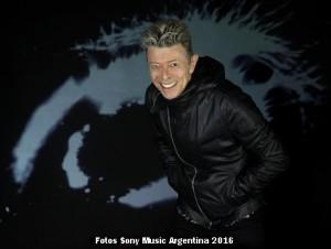 David Bowie (Foto Sony Music Argentina 002)