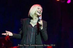 Olivia Newton John (Gran Rex 08 03 16 - Foto Fenix Entertainment 002)