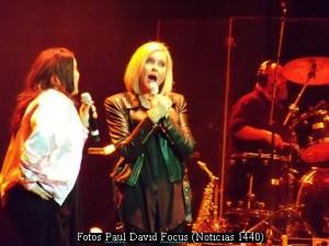 Olivia Newton John (Gran Rex 08 03 16 - Foto Paul David Focus N1440 A004)