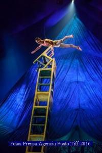Cirque Du Soleil (Kooza - Agencia Punto Tiff A 001)