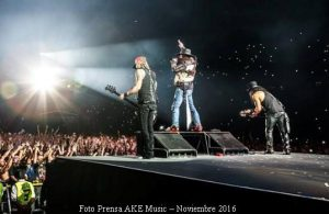 Guns And Roses (Foto Prensa AKE Music 04 y 05 - Nov 2016 A002)