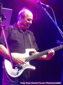 Adrian Belew (T.Opera 21 11 2016 - Paul David Focus A003)