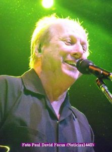 Adrian Belew (T.Opera 21 11 2016 - Paul David Focus A006)