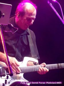 Adrian Belew (T.Opera 21 11 2016 - Paul David Focus A010)
