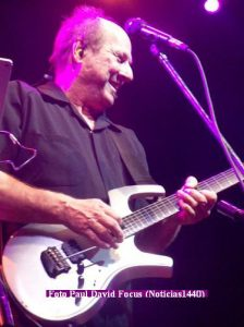 Adrian Belew (T.Opera 21 11 2016 - Paul David Focus A011)
