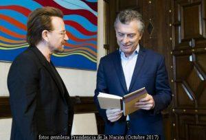 Mauricio Macri y Bono (Foto Prensa Presidencia de la Naciòn A003)