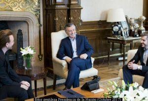 Mauricio Macri y Bono (Foto Prensa Presidencia de la Naciòn A004)