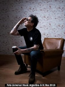 Andrès Calamaro (Foto Universal Music Argentina & Martìn Rea - A004)