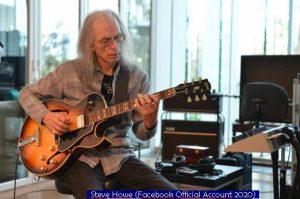 02 Steve Howe (Facebook Official Acount A 002 2020)